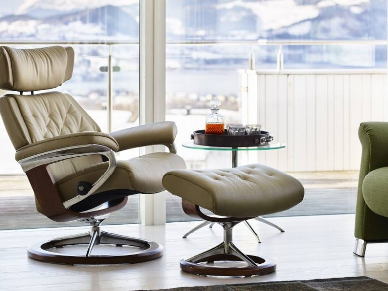 Stressless skyline medium classic chair hatters fine for Fitted bedroom furniture 0 finance