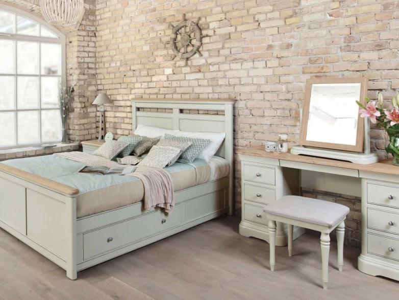 Cromwell Bedroom Collection