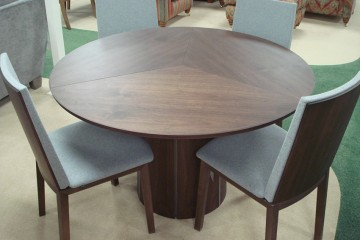 Skovby Round Extending Table & 4 Chairs