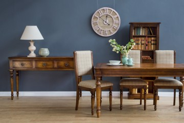 Rochford End-Extending Dining Table