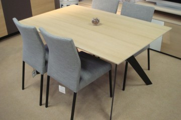 Cascade Extending Table & 4 Chairs