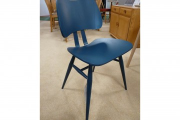 Originals Butterfly Chair in Coloured Finish