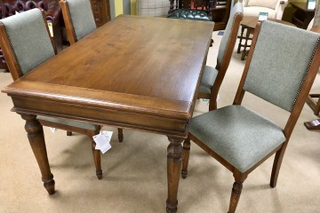 Heritage Collection - Rochford 5ft Extending Table & 4 Chairs
